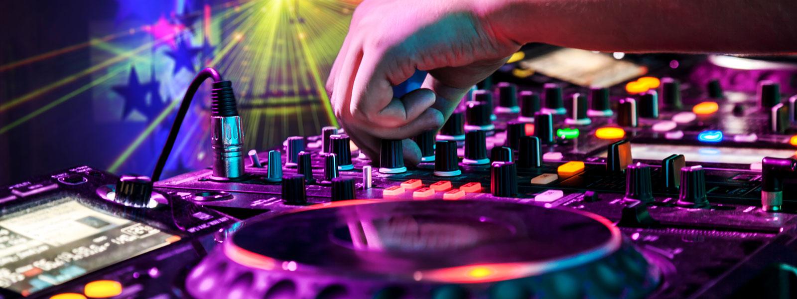 Hochzeits DJ, Geburtstags DJ, Jugendweihe DJ, Firmen Feier DJ, Weihnachtsfeier DJ